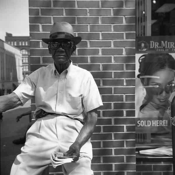 https://www.michaelwriston.com/files/gimgs/th-21_Street Portraits I - 010.jpg